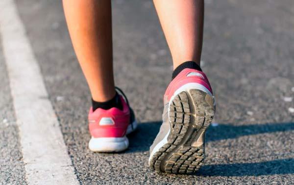 Caminar 15 minutos al día
