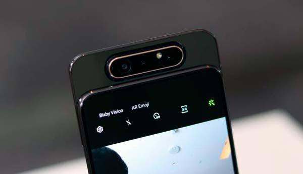 Samsung Galaxy A80 con cámara giratoria